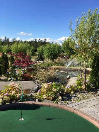 Surrey, Canadá: Hi-Knoll Driving Range & Mini-Golf