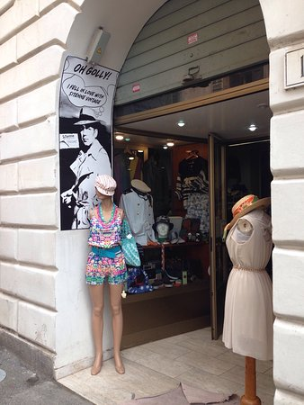 fe0fb33a9246 SiTenne Vintage Store (Roma)  AGGIORNATO 2019 - tutto quello che c è ...