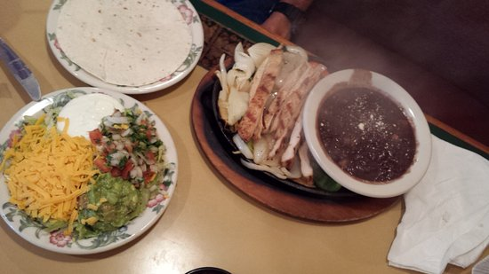 Azteca D'Oro: Chicken Fajitas with Double Black Beans