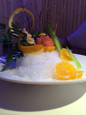 New Milford, كونيكتيكت: Artfully displayed without detracting from the great food