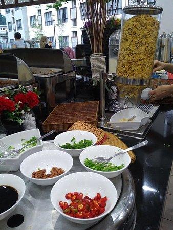 Bentong, Malaysia: Porridge / Corncflaskes