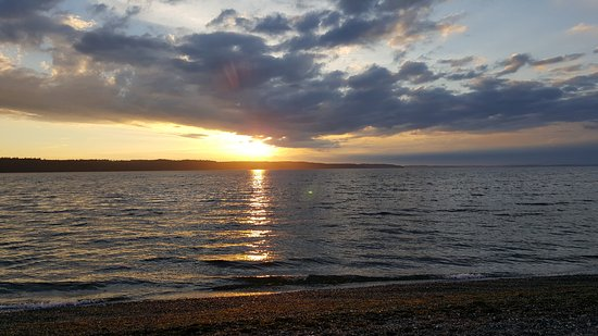 Camano Island, WA: Sunset from the front row cabin area