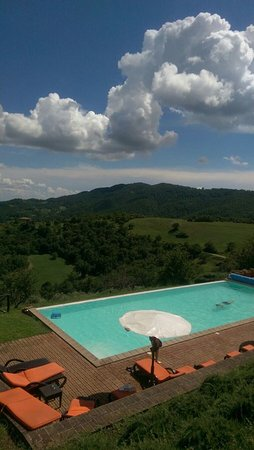 Umbertide, Italia: Swimming pool with a great view