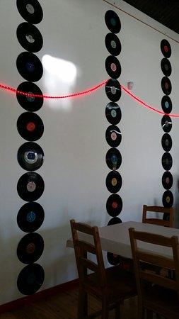 Burra, Avustralya: Vinyl 'feature wall'.