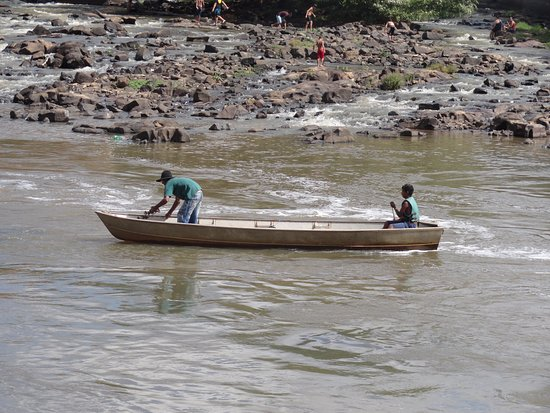 Cachoeira de Emas, SP: Pescador