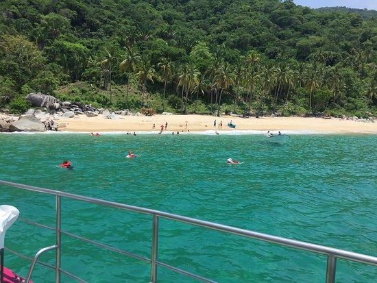 Bora Bora: Private island and beautiful water!