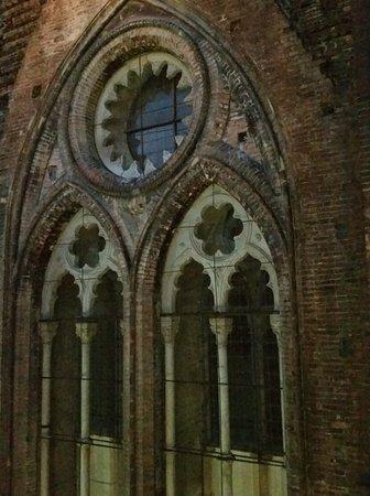 Finestra Gotica E Facciata Dellart Hotel Commercianti Picture Of