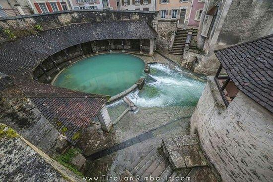 Tonnerre, Francia: Super sympa a voir comme ça