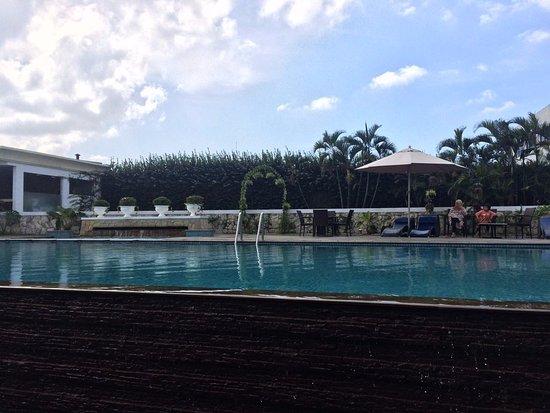 The Papandayan: nice and huge pool