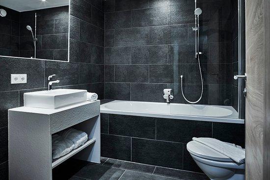 2 Hans Grohe bathrooms in each apartment - Picture of Silva Peak ...