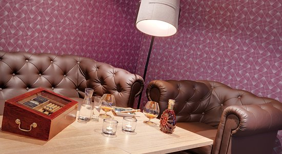 Thermenhotel Stoiser: Raucherlounge