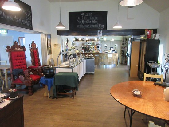 Bradda Glen Restaurant and Tea Rooms: inside view