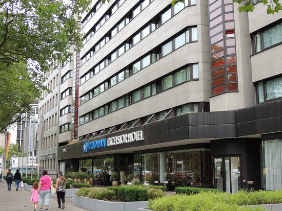 Locher In Den Fliesen Picture Of Wyndham Berlin Excelsior Berlin