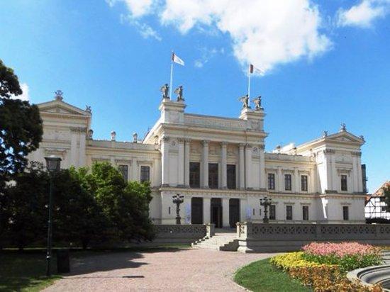 Лунд, Швеция: ルンド大学本館 建築家Helgo Zettervallによって設計され、1882年に完成。