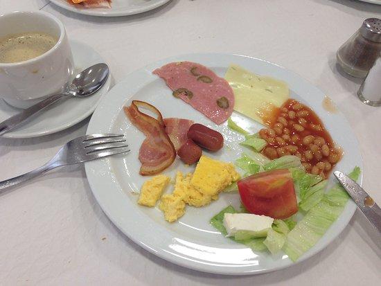 Mar Ski Hotel: Завтрак. Есть фрукты и творог, хлопья. Напитки на завтраке бесплатные.