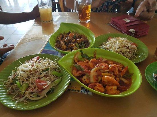 lesehan ikan bakar 70 cilacap restaurant reviews photos phone rh tripadvisor com