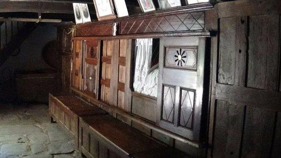 Commana, Francja: interieur