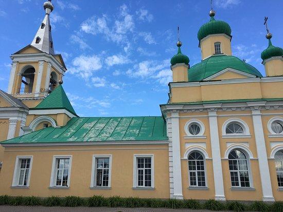 Leningrad Oblast, Rusia: Введено-Оятский женский монастырь