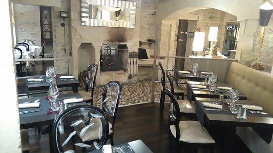 Le Pommier Restaurant: Les banquettes