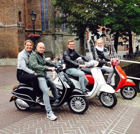 Holland Vespa Tours: Touring to Delft