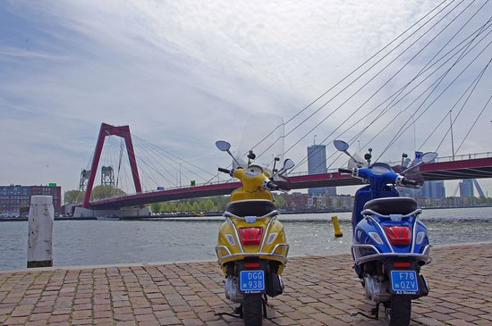 Holland Vespa Tours: Discover Rotterdam