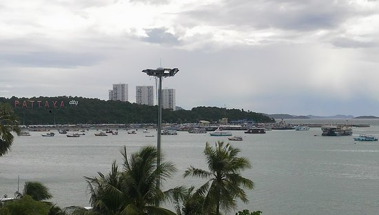 Baywalk Residence Pattaya : レストラン眺望