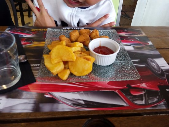 Castelculier, France: un menu enfant très bon