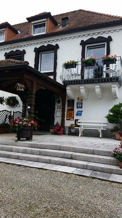 Schwarzwaldhotel Garni Wolfach : Front of hotel
