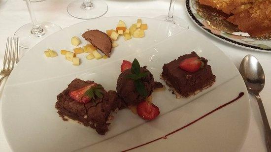 Hotel de la Poste: feuillantine au chocolat