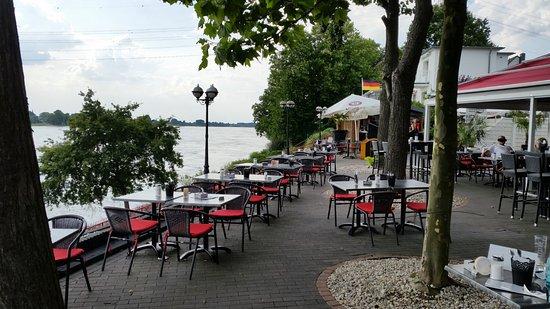 Monheim am Rhein, Almanya: Teil der Terrasse