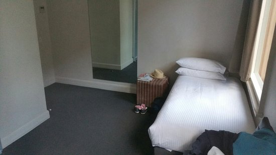 Pensione Hotel Melbourne - by 8Hotels: 20160721_164001_large.jpg