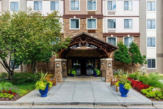 Staybridge Suites Atlanta - Perimeter Center East: Entrance