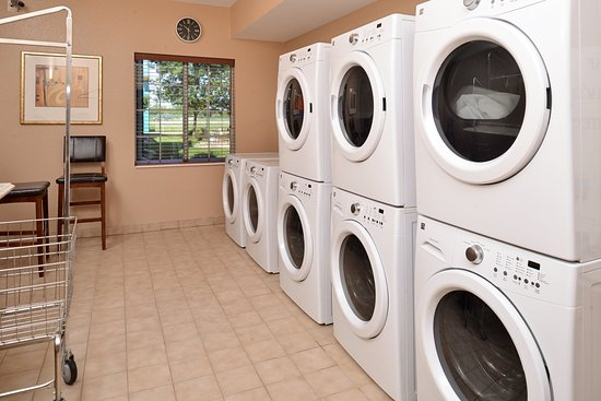 Staybridge Suites Sioux Falls: Laundry Facility