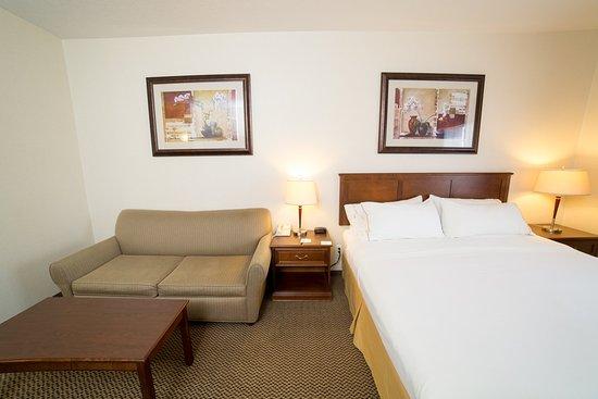 Drayton Valley, Kanada: Queen Bed Guest Room