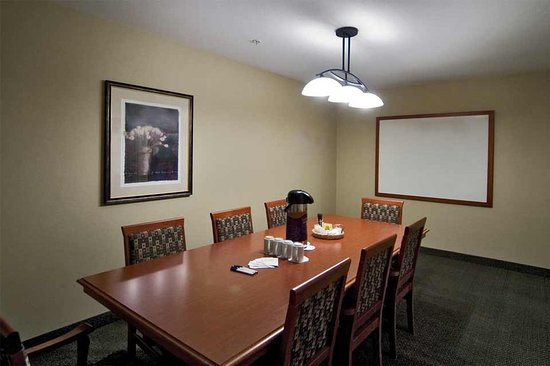 Holiday Inn Express Medicine Hat Southland Suite