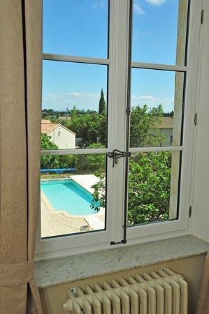 Saint-Nazaire-d'Aude, Fransa: Room with a view - Zicht vanuit de kamers Leonie en Charlotte