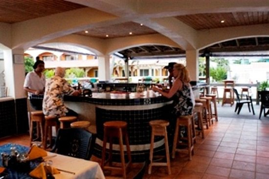 SunBreeze Hotel: Beachfront - Pool Side Bar