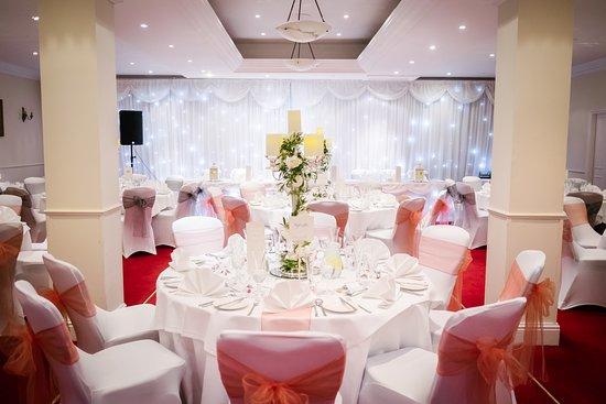 Holiday Inn Newcastle - Jesmond: Our room for the wedding breakfast