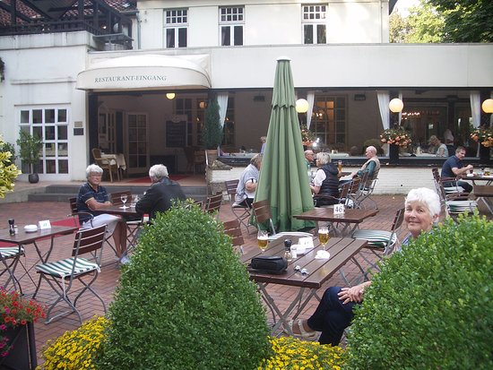 Osnabrück, Germania: Outdoor and indoor restaurant