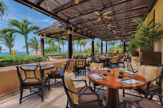 Four Seasons Resort Punta Mita: Aramara Restaurant