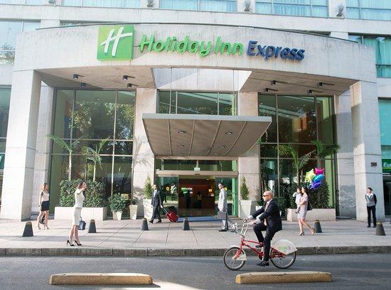 Holiday Inn Express Mexico Reforma: Hotel Exterior