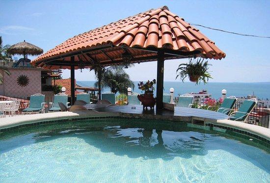 Casa Anita y Corona del Mar: Pool of Casa Anita