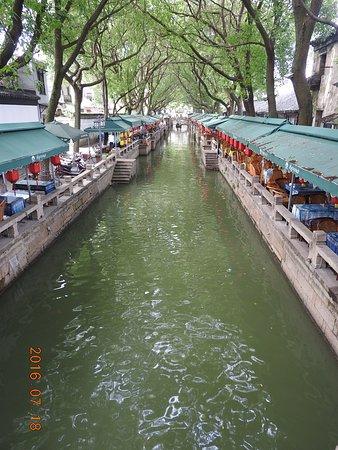 Tongli Town: 同里古鎮小河