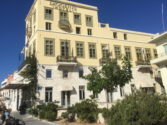 Diogenis Hotel : Hotel from Main Street