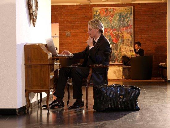 Europa Hotel: reception - lobby