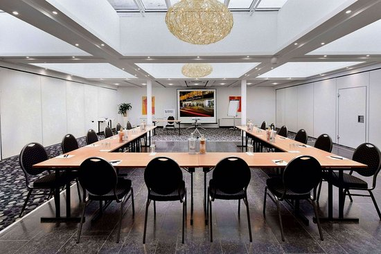 Europa Hotel: conference room