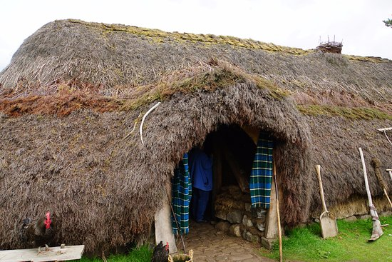 Newtonmore, UK: Recreation of a Highland House from the early 1700's.