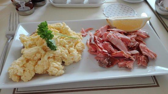 Rushlee House: Ontbijt met gerookte zalm (héérlijk)
