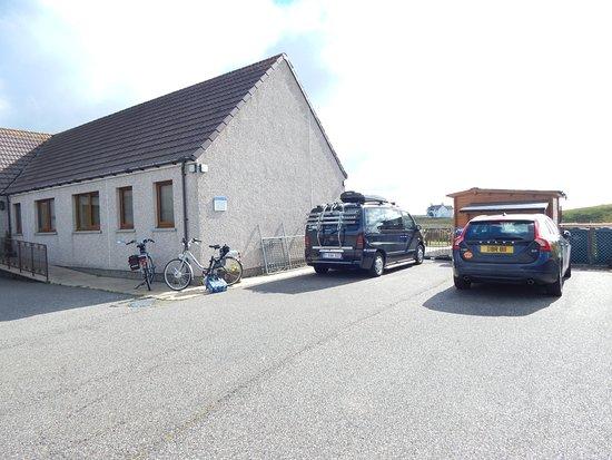 Rushlee House: Parking voor de gasten