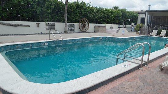 Driftwood Resort: The 'quiet' pool